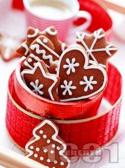 Лесни и вкусни коледни сладки с какао и захарна глазура - снимка на рецептата